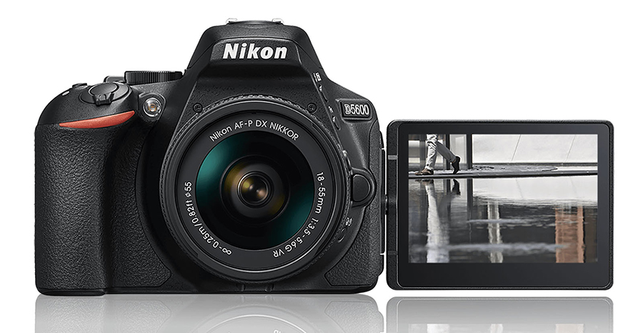 nikon d5600 flipped touch screen